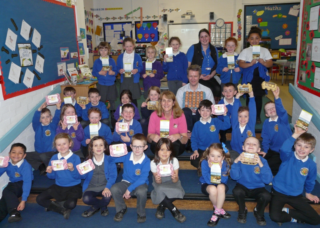 Beaconside school learn abut egg laying